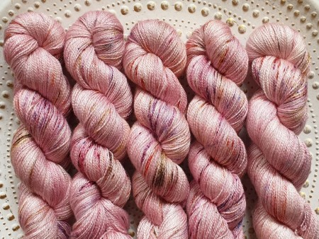 Silky Lace - Seashell pailpink
